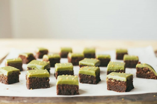 Rich little brownies with matcha glaze